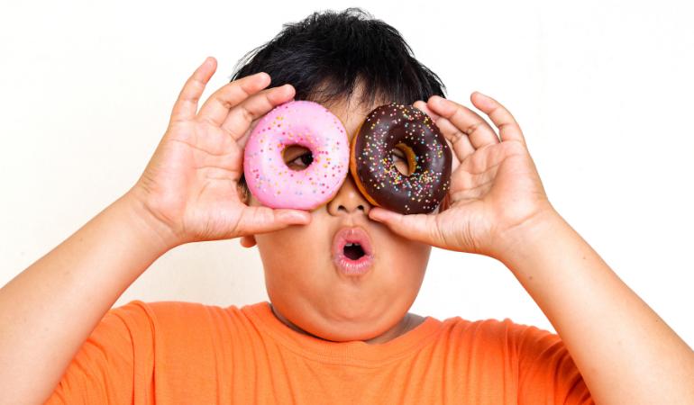 Saiba tudo sobre obesidade infantil .