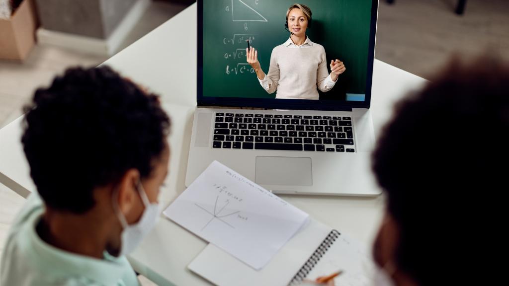 Como resolver casos de inadimplência na mensalidade escolar?